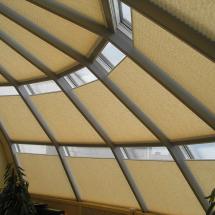 шторы плиссе на мансардные окна