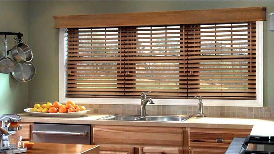 деревянные жалюзи на кухню